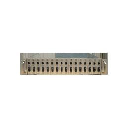 网管型17槽收发器机架